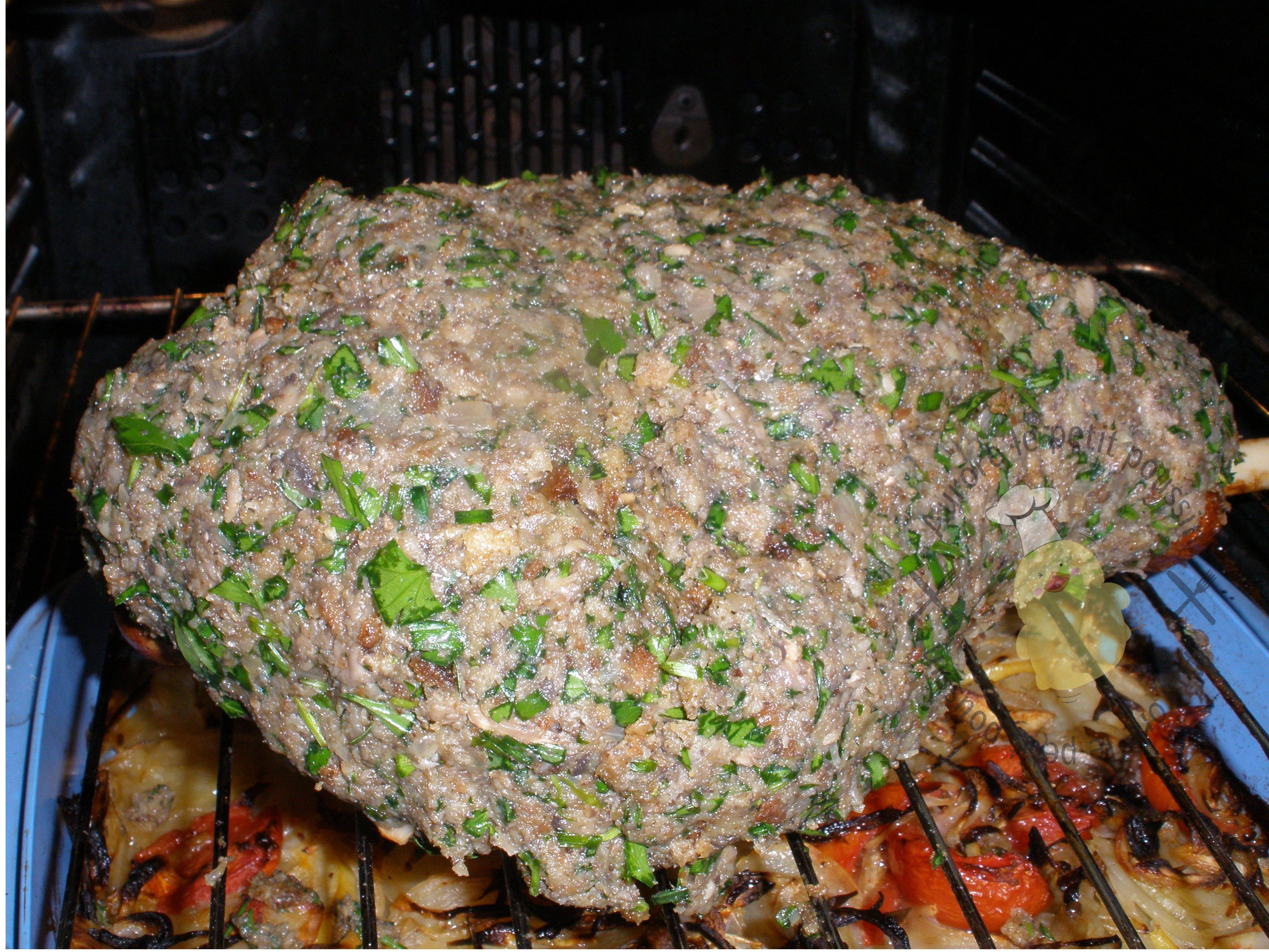 Gigot d 39 agneau en cro te d 39 herbes pour p ques recette de - Cuisiner les restes de gigot d agneau ...