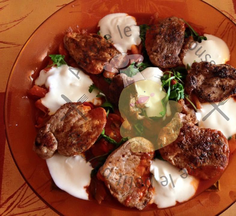 M daillons de porc sauce hongroise blogs de cuisine for Cuisine hongroise